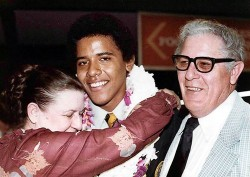 Obama_with_grandparents